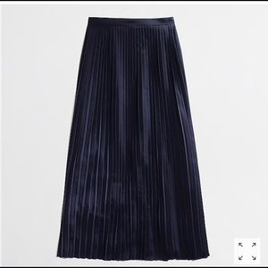 J Crew Factory Navy Pleated Maxi Skirt XL/14
